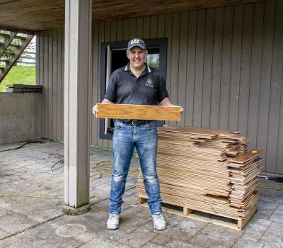 ReMoving Hardwood